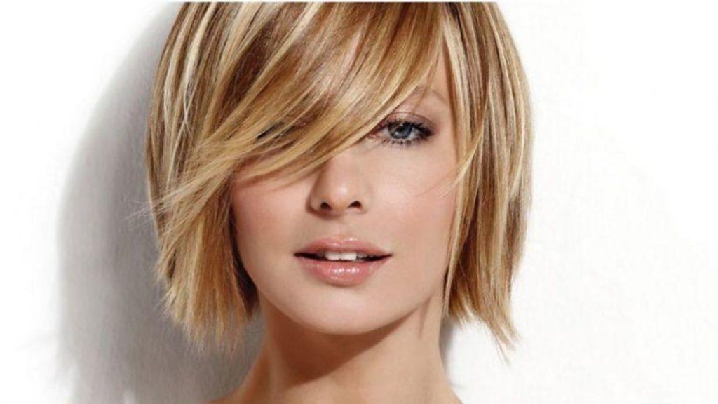 Колорирование de pelo en el salón de belleza grial