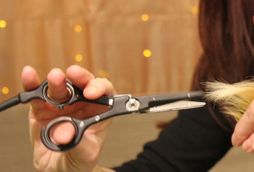 Стрижка волос горячими ножницами в салоне «ГРААЛЬ»
