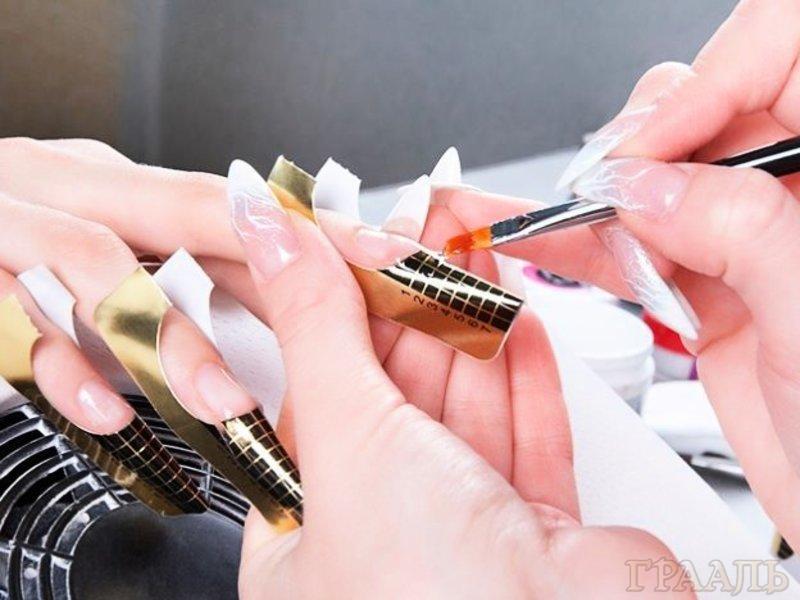 Наращивание ногтей гелем в салоне красоты Грааль